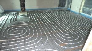 montaz podlahove kurenie tacker